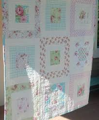Shabby Chic Upholstery Fabric by Best 25 Shabby Chic Fabric Ideas On Pinterest Shabby Chic