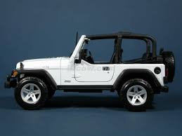 jeep rubicon 2000 jeep wrangler rubicon diecast model car 1 18 scale die cast by