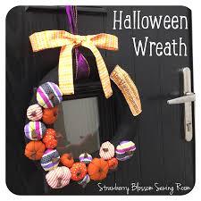 a handmade personalised fabric halloween wreath learn how to make