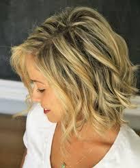 Frisuren Mittellange Haar Dauerwelle by Natürlicher Look Für Mittellanges Haar Mit Wellen Frisur Hair