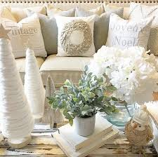 Easy White Christmas Decorations by Best 25 Christmas Interiors Ideas On Pinterest Scandinavian