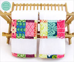 scrappy patchwork border dish towels sew4home