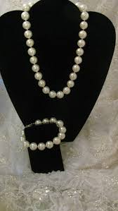 white shell pearl necklace images White shell pearl necklace and bracelet set jpg