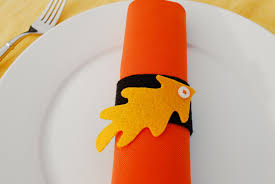 thanksgiving napkin rings craft felt leaf napkin rings and placecards for thanksgiving merriment