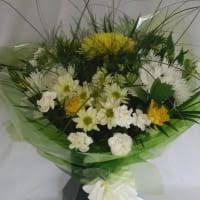flowers to go flowers to go leigh florists yell