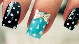 nail dots and bows on nails nail bow