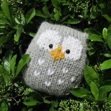 this a simple to knit owl it is knitted in one piece and there