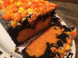 halloween candy cake surprise inside halloween cake u2013 i like to bake