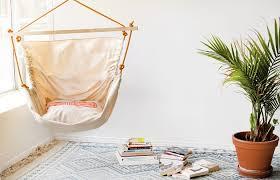 hamac siege suspendu la tendance du fauteuil suspendu dans la décoration d intérieur