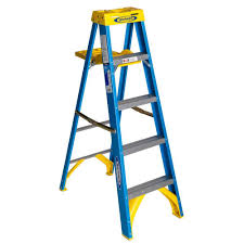 home depot black friday step ladder werner 5 ft fiberglass step ladder with 250 lb load capacity