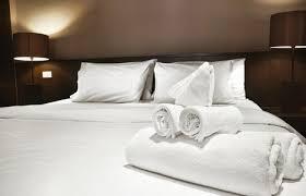 hotel femme de chambre service hôteliers