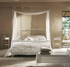 chambre baldaquin design interieur atmosphère romantique chambre coucher lit
