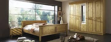schlafzimmer naturholz massivholz schlafzimmer möbilia de