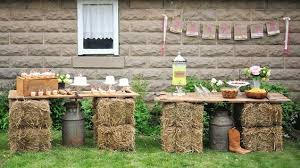 Backyard Country Wedding 25 Chic Rustic Hay Bale Decoration Ideas For Country Weddings Page 2