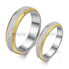 couples wedding rings engraved unique titanium couples wedding rings set for 2