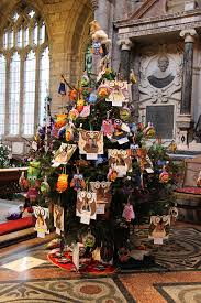 crediton parish church christmas tree pictures