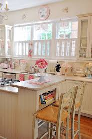 a happy little cottage kitchen so pretty i have windows just