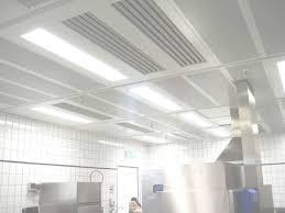 eclairage hotte cuisine professionnelle eclairage cuisine plafond hotte de cuisine de plafond avec
