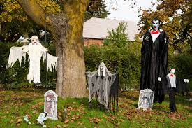 Scary Halloween House Decorations Triyae Com U003d Scary Haunted Backyard Ideas Various Design
