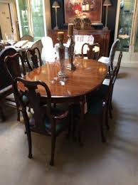 thomasville collectors cherry queen anne dining table and chairs