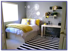 best paint colors for small dark spaces best paint colors for