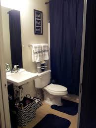 apartment bathroom decor ideas my college apartment bathroom black and white with grey i used