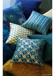 coussins canapé 10 coussins colorés pour égayer le canapé