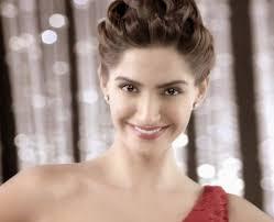 colgate commercial actress pin af sakina adeel på sonam kapoor and colgate ad pinterest