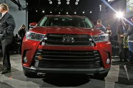 best toyota model 2017 toyota highlander first look review motor trend