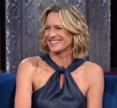 house of cards robin wright hairstyle the late show with stephen colbert may 24 2017 robin wright site