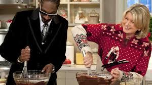 thanksgiving food baby video martha and snoop dogg make brownies martha stewart