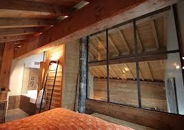cloison pour separer une chambre chambre avec cloison en verre pour séparer du reste du chalet