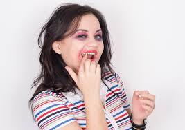 Vampire Looks For Halloween How To Do Vampire Makeup 10 Steps With Pictures Wikihow
