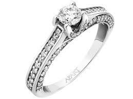 apart pierscionki zareczynowe pierścionki zaręczynowe w stylu gwiazd ślubny poradnik