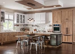 quarter sawn oak kitchen cabinets dalton schuler cabinetry at lowes