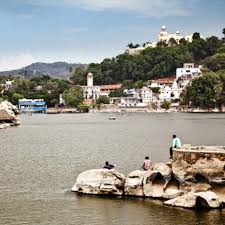 mount abu summer festival is celebrated at nakki lake chowk