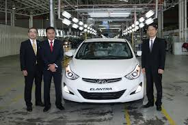 kereta hyundai elantra 2015 hyundai elantra u2013 inokom assembling and exporting facelifted model