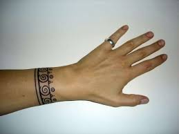 11 beautiful bracelet tattoo designs