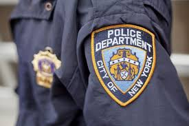 Nypd Business Cards Nypd Cop Steals Fellow Officer U0027s Credit Card Has Shopping Spree
