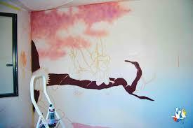 fresque murale chambre fresque murale de la fée clochette dans une chambre de bébé