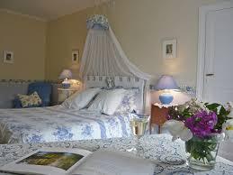 chambre d hote pour in sur sioule bed and breakfast chambres d hôtes du château de l ormet