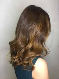 foil highlights for brown hair highlights vs lowlights vs babylights and balayage vs ombre vs