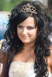 cute curly prom hairstyles for long