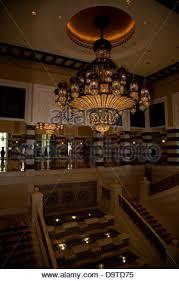 Chandelier Dubai Al Qasr Hotel Was Designed To Reflect An Emir U0027s Summer Palace