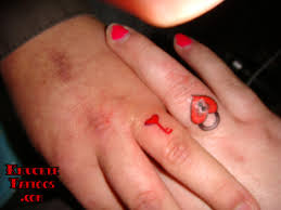 lock and key finger couples tattoo tattoomagz