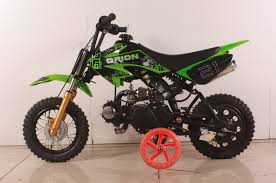 wheels motocross bikes apollo orion dirt bikes 70cc with training wheels kartquest com