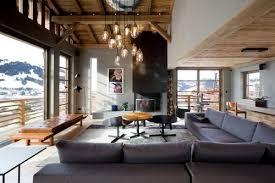 canapé style chalet a la découverte des plus beaux chalets alpins espaces à rêver