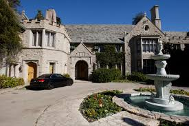 The Bachelor Mansion Playboy Mansion On The Market For 200 Million Hef Included Nbc