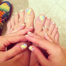 30 elegant pictures of toe nail art