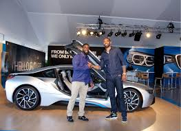 Bmw I8 3 Cylinder - kyle arrington and alan anderson check out bmw u0027s i8 in boston